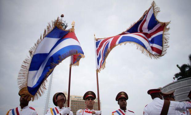 Prinz Charles und seine Ehefrau Camilla werden in Havanna empfangen / Bild: (c) REUTERS (Phil Noble)