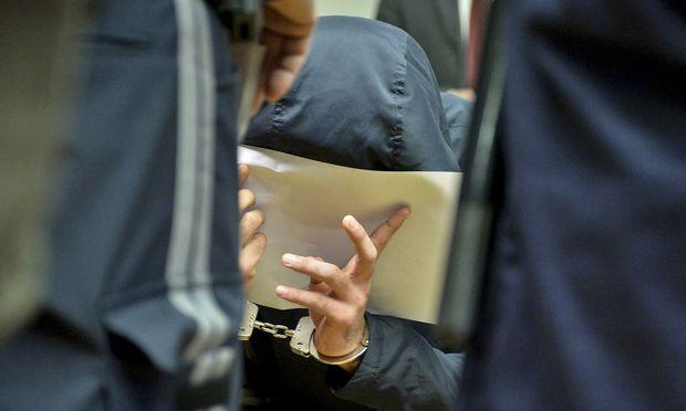 Wen bekommt man als Pflichtverteidiger, wie viel Ahnung hat dieser vom Strafrecht? Für Angeklagte ein Glücksspiel.