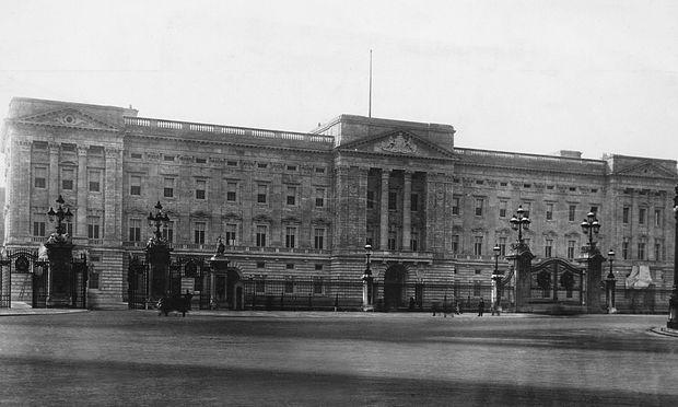 Buckingham-Palast London 1913