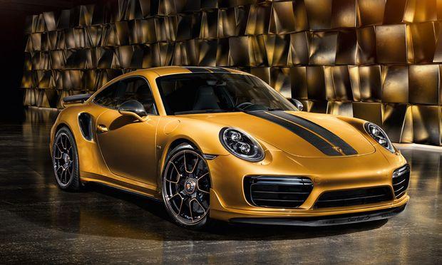 Das Auto zum Chronografen: Die Porsche 911 Turbo S  Exclusive Series ist in       9,6 Sekunden von null  auf 200 km/h.