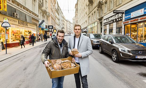 Lukas Uhl (l.) und Georg Öfferl eröffnen im Mai ihre erste Wien-Filiale, inklusive Schaubäckerei und Café in der Wollzeile 31.