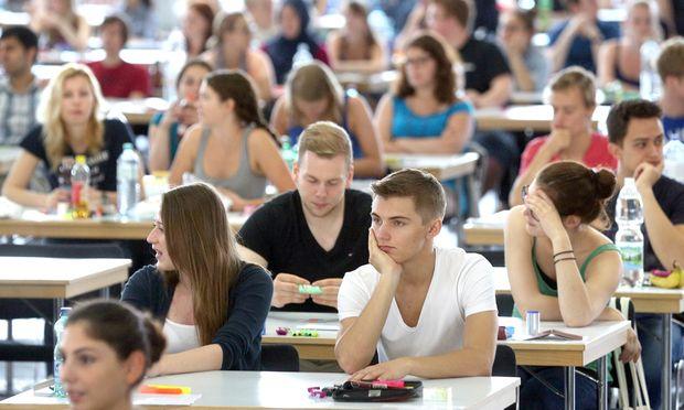 Das Medizinstudium ist begehrt: 8364 Bewerber kämpften am 5. Juli um 1500 Studienplätze.