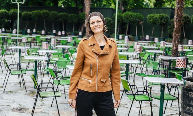 Nadja Saxer lädt ab kommendem Mittwoch zu einer neuen Reihe in den Volksgarten. / Bild: Valerie Voithofer