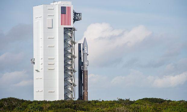 Die USA regeln Weltraumbeseitzverhältnisse - im Bild: die Atlas-V-Rakete soll ein Cygnus-Frachtschiff zur ISS bringen.