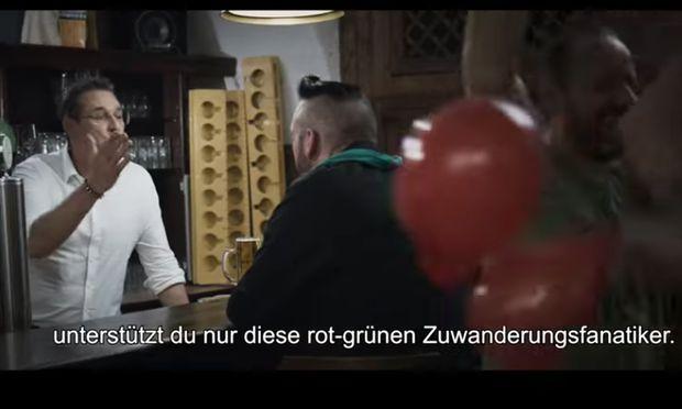 """""""Nicht voten, stärkt nur die EU-Asylchaoten"""", appelliert FPÖ-Chef Strache in einem Werbevideo."""