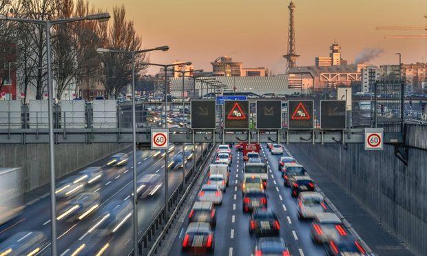 In Berlin wird derzeit ein Simulationsmodell mit Bürgerbeteiligung entwickelt, das die Verkehrsprobleme lösen helfen soll.
