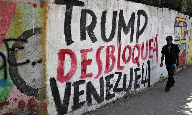 """""""Trump - hör auf Venezuela zu blockieren"""": Protest in Caracas nach den Anfang der Woche verhängten Sanktionen."""