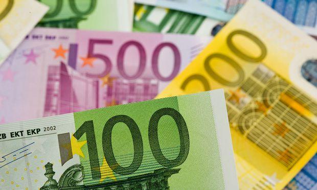 Obwohl die bargeldlose Zahlung boomt, werden immer mehr Euro ausgegeben / Bild: www.BilderBox.com