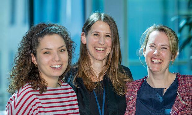 Molekularbiologinnen Antonia Hauth, Astrid Hagelkruys und Nina Corsini, v.l.n.r.