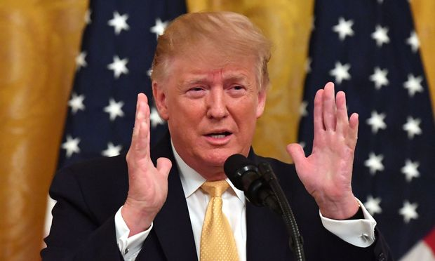 US-Präsident Donald Trump hat für Kryptowährungen eine Bankenregulierung gefordert.
