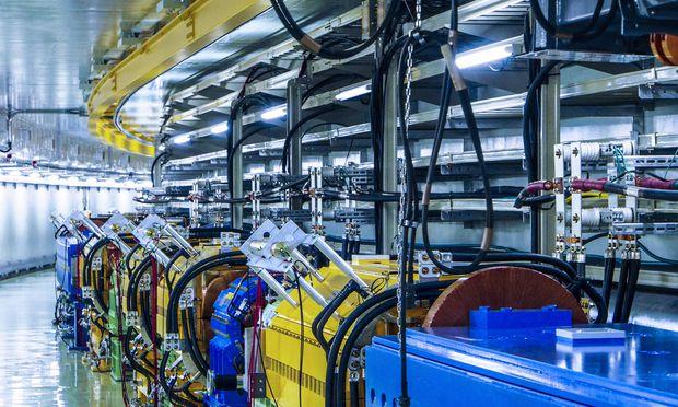 Hier rasen die Protonen: ein Teil des Hauptrings am japanischen J-Parc-Teilchenbeschleuniger.