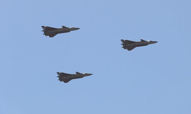 China schickt Streitkräfte vor koreanische Halbinsel