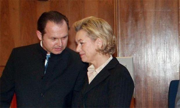 Andrea Herberstein mit Anwalt