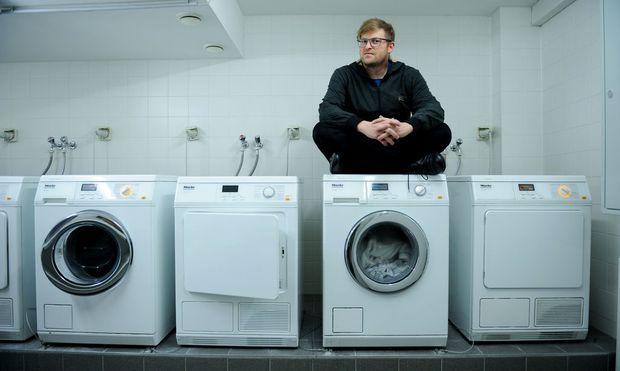 Thomas Weber Rät Unter Anderem: U201eMiete Eine Waschmaschine.u201c Das Foto  Entstand Im