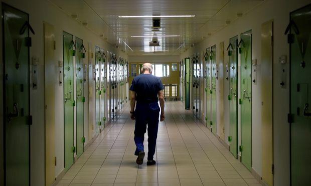Exhäftlinge und Vorbestrafte sollen eine Zeit keine Mindestsicherung bekommen.