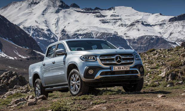 Groß und mächtig: Mit der X-Klasse wagt sich Mercedes als erster Premiumhersteller in das Segment der Pick-ups vor.