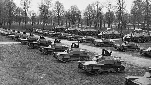 CV-Tanketten und AGDZ-Radpanzer