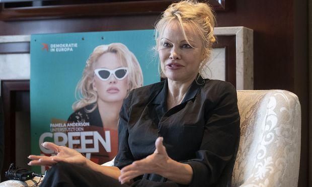 Pamela Anderson sieht sich als Aktivistin nicht als Politikerin.