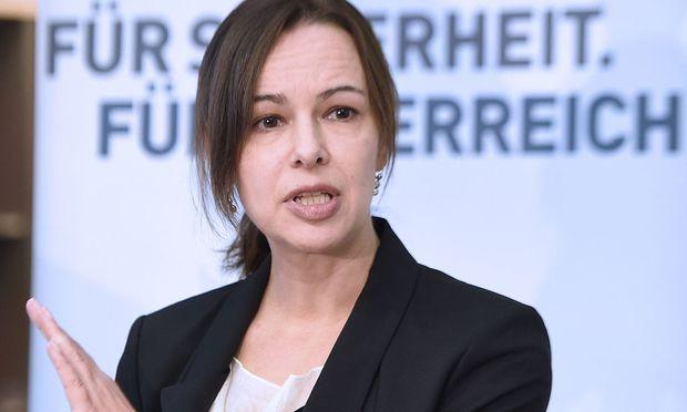 Familienministerin Sophie Karmasin