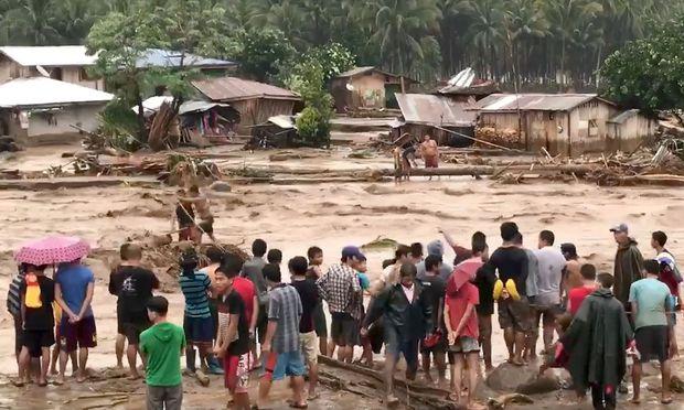 Tropensturm fegte über Philippinen hinweg - Dutzende Tote