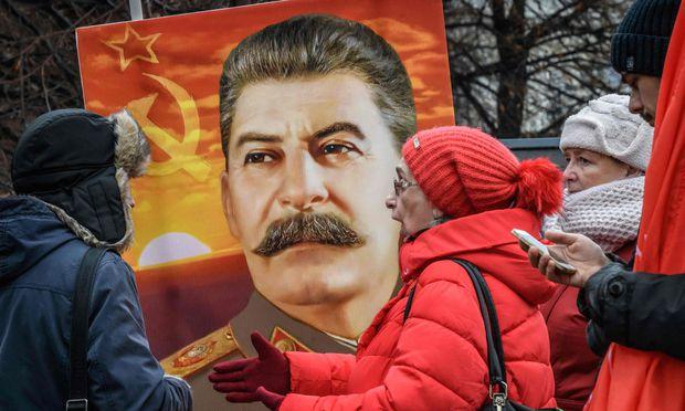 Josef Stalin erreicht neue Rekordwerte in der Beurteilung durch die russische Bevölkerung.