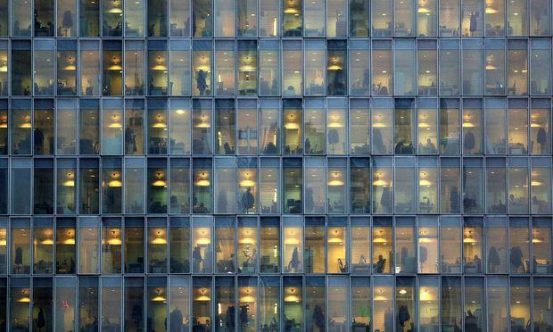 Hier arbeiten noch Menschen. Hinter wie vielen Fenstern sitzen bald Roboter?