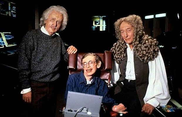 """Stephen Hawking 1993 am Set von """"Star Trek: The Next Generation"""" mit den Darstellern von Albert Einstein und Isaac Newton"""