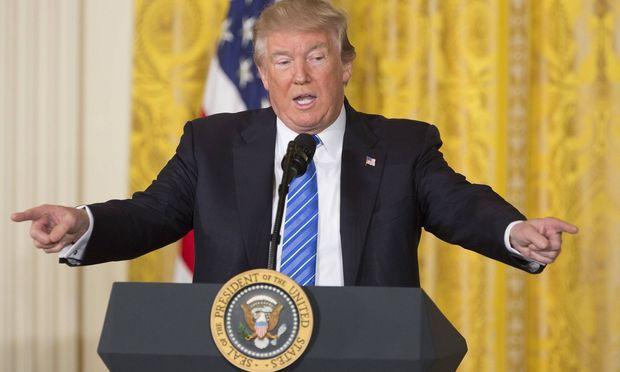Supreme Court lässt Trumps Einreiseverbote teilweise zu