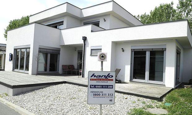 Fertigteilhaus Elk an Hanlo-Besitzer Matthias Calice ...