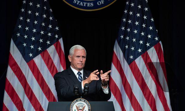 """""""Der Krieg der Sterne"""" könnte bald Wirklichkeit werden. US-Vizepräsident Pence präsentierte die Pläne für eine neue Space Force."""