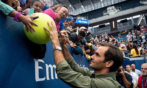 Roger Federer bewegt in Flushing Meadows auch bei Trainings und Medienterminen die Massen.