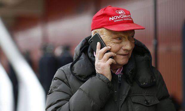 Niki Lauda hat mit Laudamotion die insolvente Air-Berlin-Tochter Niki von der Air Berlin übernommen.