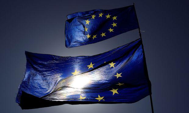 Symbolbild: EU-Flaggen