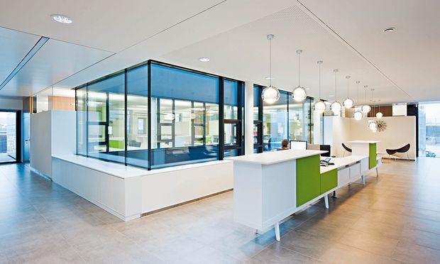 Die Büroarchitektur bei der Firma Markas hat viele Aspekte – und auch Repräsentationsanspruch.