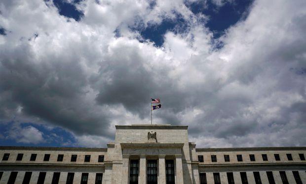 MARKT USA/Wall Street vor Fed-Protokoll knapp behauptet erwartet