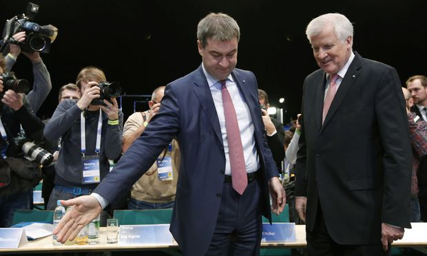 Markus Söder macht Platz für Horst Seehofer. In Wahrheit ist es umgekehrt.