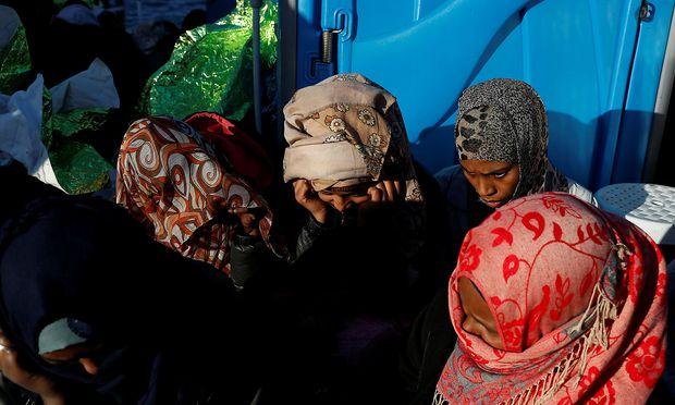 Flüchtlinge an Bord eines Rettungsschiffes.