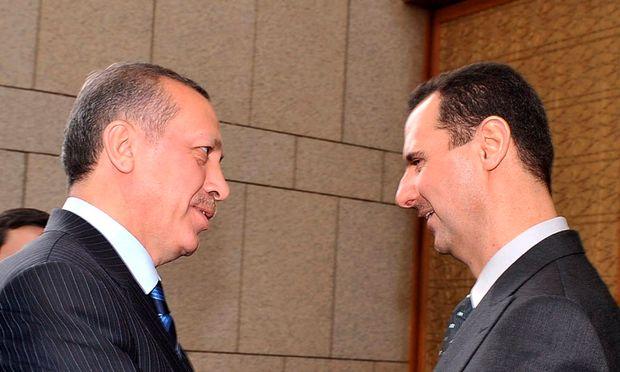 Archivbild: Erdoğan (links) und Assad im Jahr 2008
