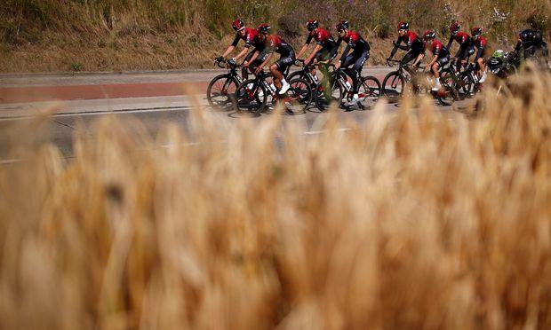 Aus Team Sky wurde Ineos, an der Mannschaftsstärke hat das nichts geändert. Nach dem Ausfall von Chris Froome geht eine Doppelspitze ins Rennen.