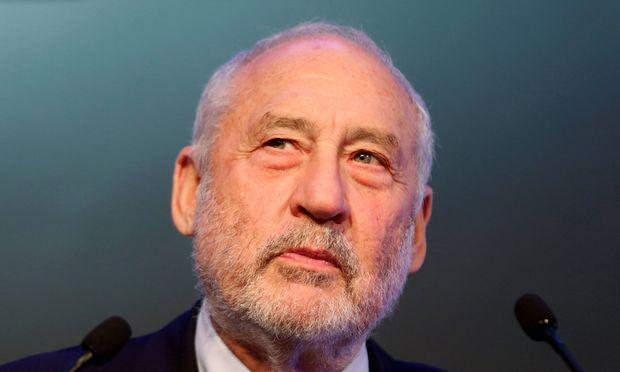 Nobel Prize-winning economist Joseph Stiglitz attends a keynote presentation during CLSA investors conference in Hong Kong