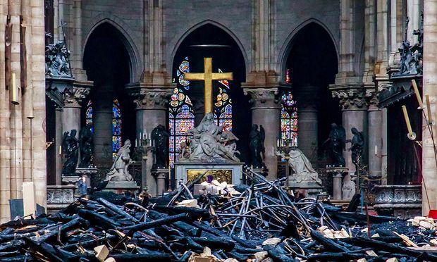 Ein Blick in das Innere von Notre-Dame.