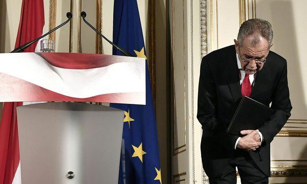 Alexander Van der Bellen, ab 26. Jänner neunter Bundespräsident der Zweiten Republik, am Ende seines Statements – Fragen waren nicht vorgesehen.