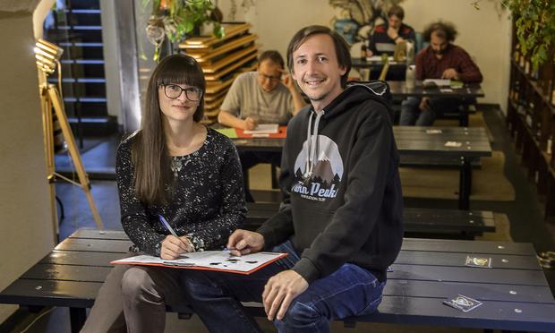 Astrid Rief und Stefan Pletzer organisieren die Österreichischen Quizmeisterschaften.