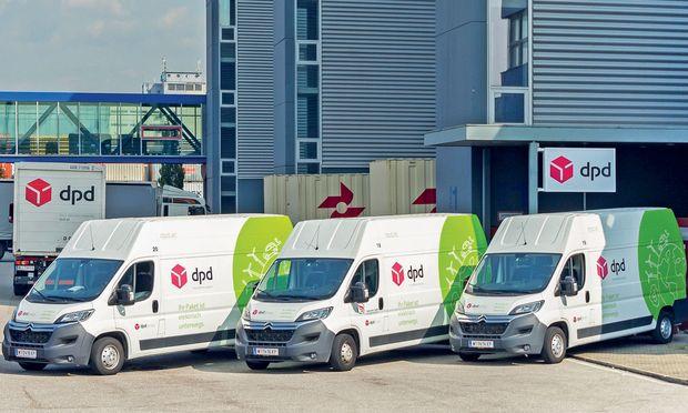 Einige Paketdienstleister zeigen durchaus Mut. Im Bild: Elektrotransporter des Paketdienstleisters DPD an seinem City Hub in Linz.