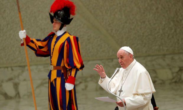 """Papst Franziskus (Archivbild) nahm im Vatikan Teilneher der Tagung """"Yes To Life!"""" in Empfang."""