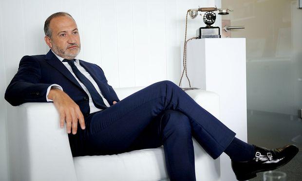 Muss Alejandro Plater als Telekom-Chef abdanken?