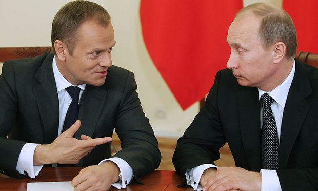 Ein unmoralisches Angebot: Russlands Präsident Wladimir Putin (r.) und Polens Ex-Premier Donald Tusk auf einem Archivbild