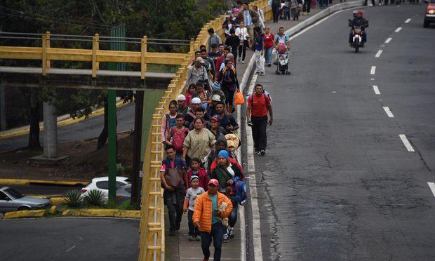 Migration in die USA: Trump droht mit Militäreinsatz