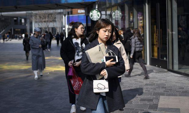 Wie alle Schwellenländer feierten auch die chinesischen Börsen in den vergangenen zwei Monaten ein starkes Comeback, nachdem sie zuvor ein Jahr lang nach unten geprügelt worden sind.