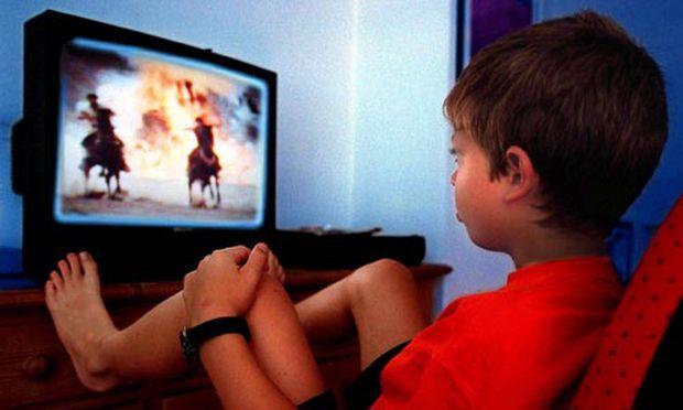 Dicker unsportlicher Fernsehkonsum schadet